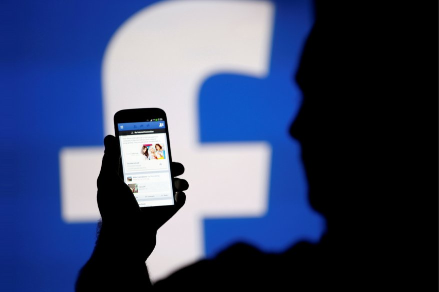 Facebook Removes Accounts That Spread Malware